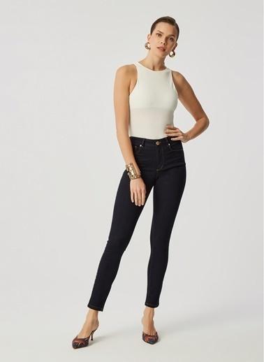 Monamoda Micro Elastan Yarım Astarlı Body Suit Beyaz